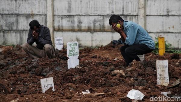 Lipat Ganda Pemakaman Protap Corona di DKI Bukti Situasi Makin Gawat