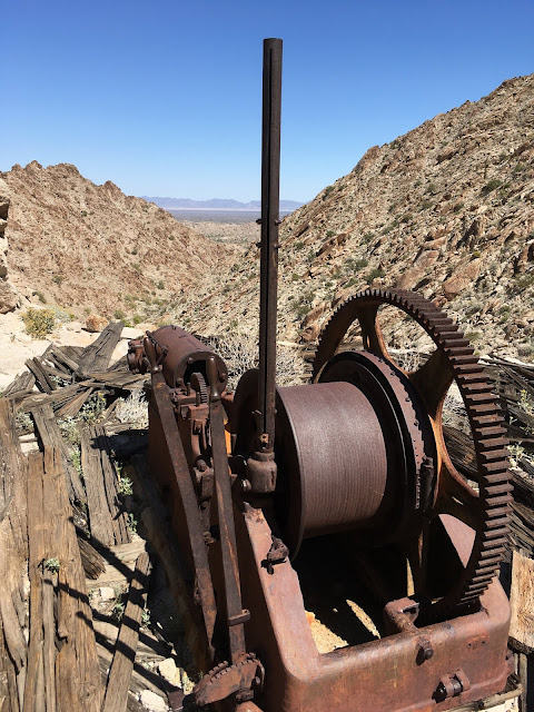 Old impulse engine and winch setup for main shaft hoist cable