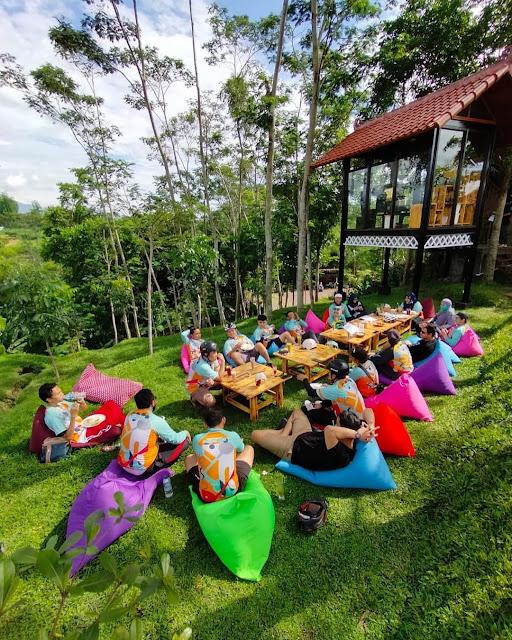 NK ( Nendes Kombet ) Cafe Malang