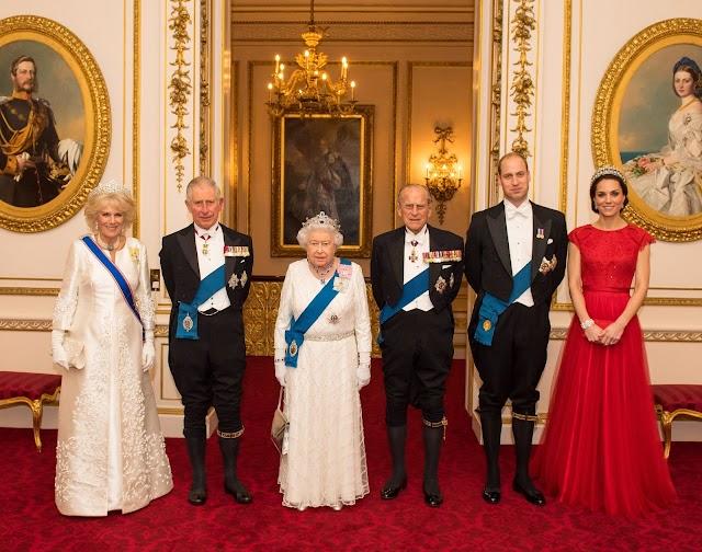 Família real britânica oferece vaga para faxineiro no palácio de Buckingham com salário de R$ 11 mil