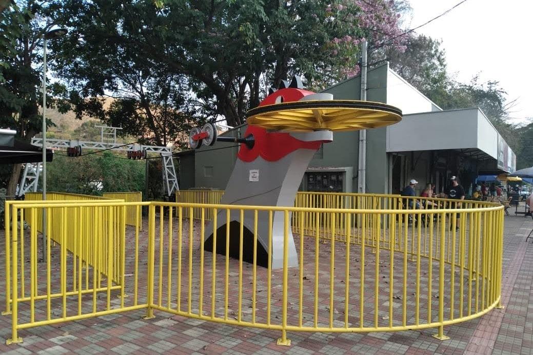 entrada de teleferico vermelho