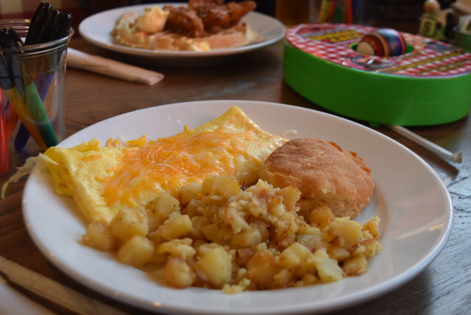 Pigeon Forge's Best and Most Family-Friendly Restaurant: Frizzle Chicken Farmhouse Cafe