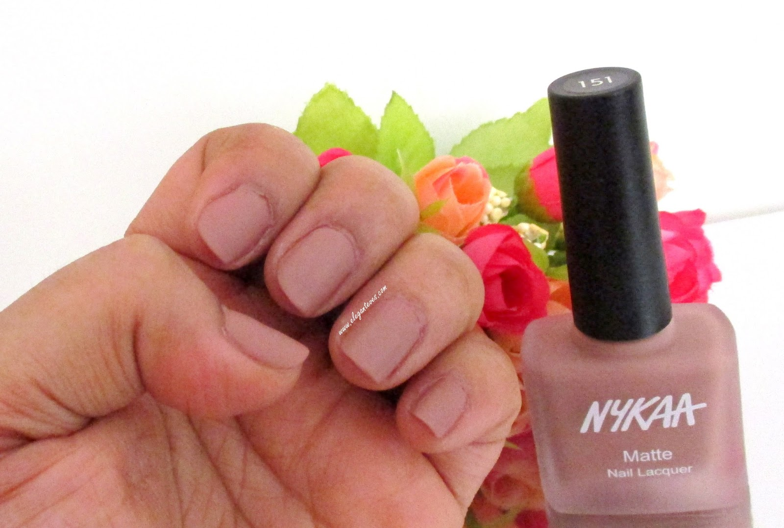 Review/Swatches Nykaa Matte Nail Lacquer Nutcraker Dreams #151 ...