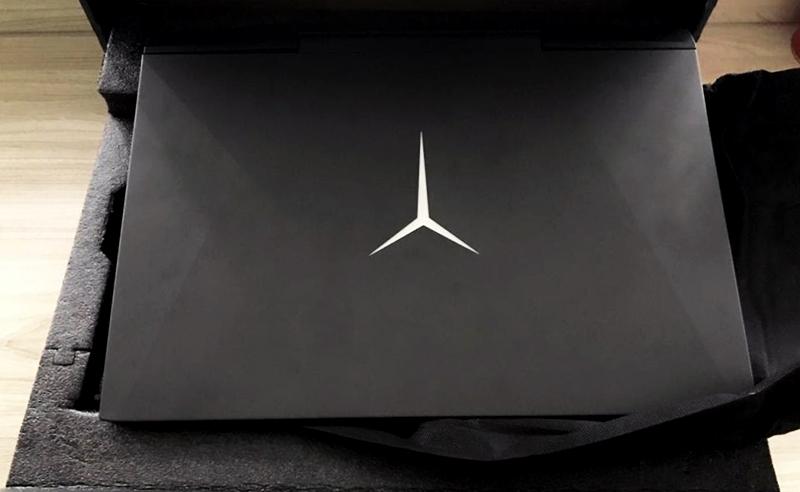 Laptop Lenovo Legiun Y545 hitam doff keren