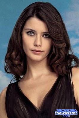 Beren Saat, Turkish actress, was born on February 26, 1984