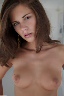 Caprice - Errotica Archives - Cuidar - Feb 04, 2016