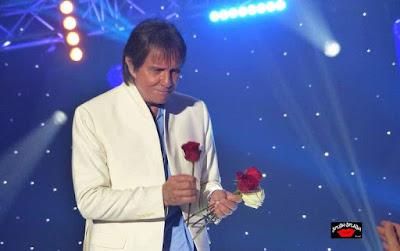 Homenagem especial ao rei Roberto reúne o título de mais de 150 músicas do cantor. Texto foi publicado na primeira página oficial do artista há exatos 10 anos.
