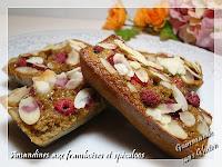 http://gourmandesansgluten.blogspot.fr/2014/06/amandines-aux-framboises-et-speculos.html