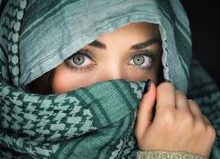 اجمل ابيات شعر عن العيون الخضراء