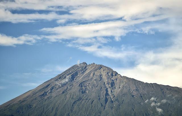gunung meru