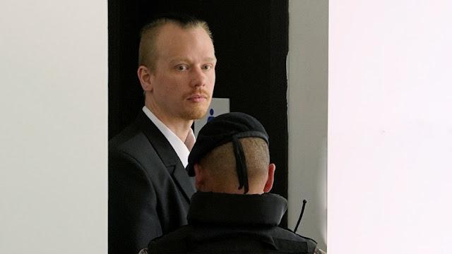 Roban equipos informáticos en la oficina donde labora el sueco Ola Bini en Ecuador