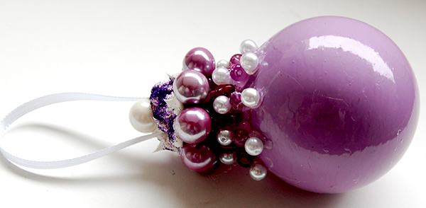 uplclose side view picture of April 2015 ornament challenge purple passion