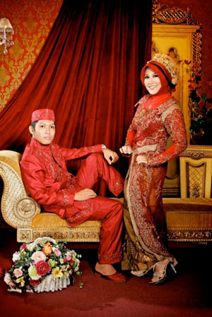 Busana Jilbab Untuk Pengantin Warna Merah Dominan Tips Jilbab Cantik