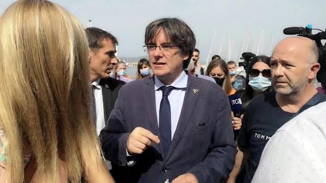 Ιταλία: Αποφυλακίστηκε ο Πουτζντεμόν και μπορεί να φύγει από τη χώρα