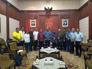 Audiensi Lembaga Hindu Jawa Timur Dan Gubernur