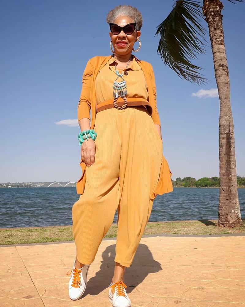 Moda para mulheres com 50 anos ou mais