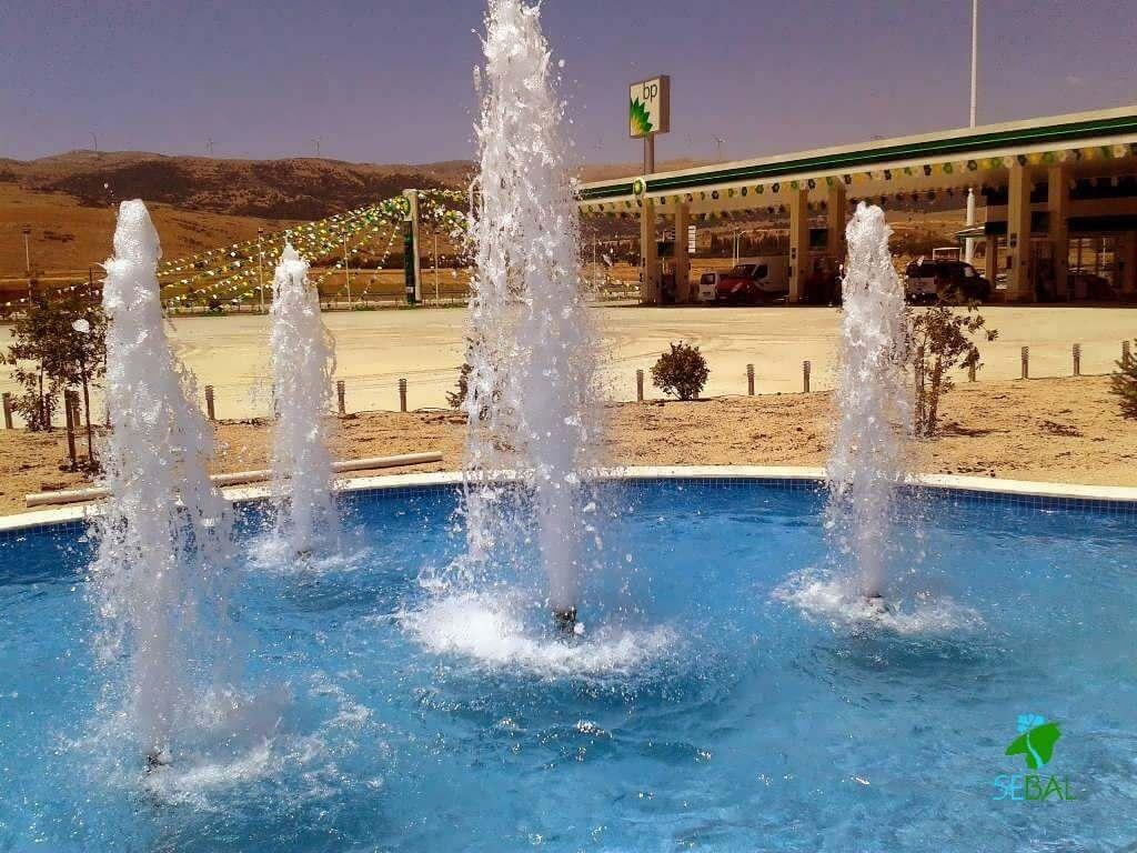 Dinlenme tesisi yapay kaya havuz