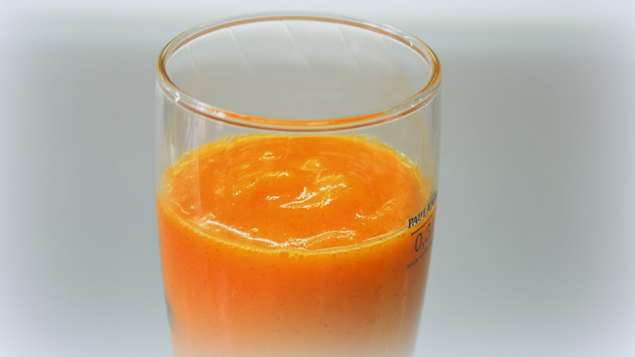 http://recetas-chipironazul.blogspot.com.es/2014/02/zumo-de-naranja-kiwi-y-zanahoria.html