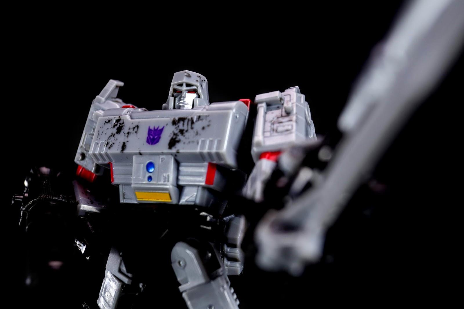 War for Cybertron:Siege Voyager Class Megatron