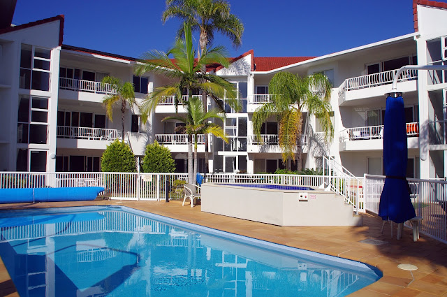 Le beach Apartments Burleigh Heads Exterior and Pool