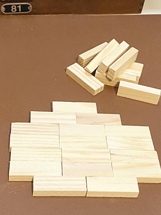 block pile and blocks in pumpkin shape