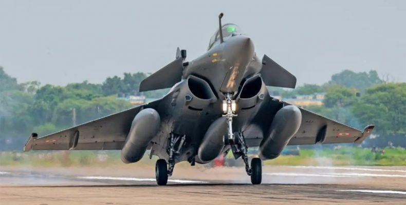 """ΤΑΖ: """"Οι αμυντικές δαπάνες αυξάνονται, η Ελλάδα αφέθηκε μόνη απ' την ΕΕ"""""""