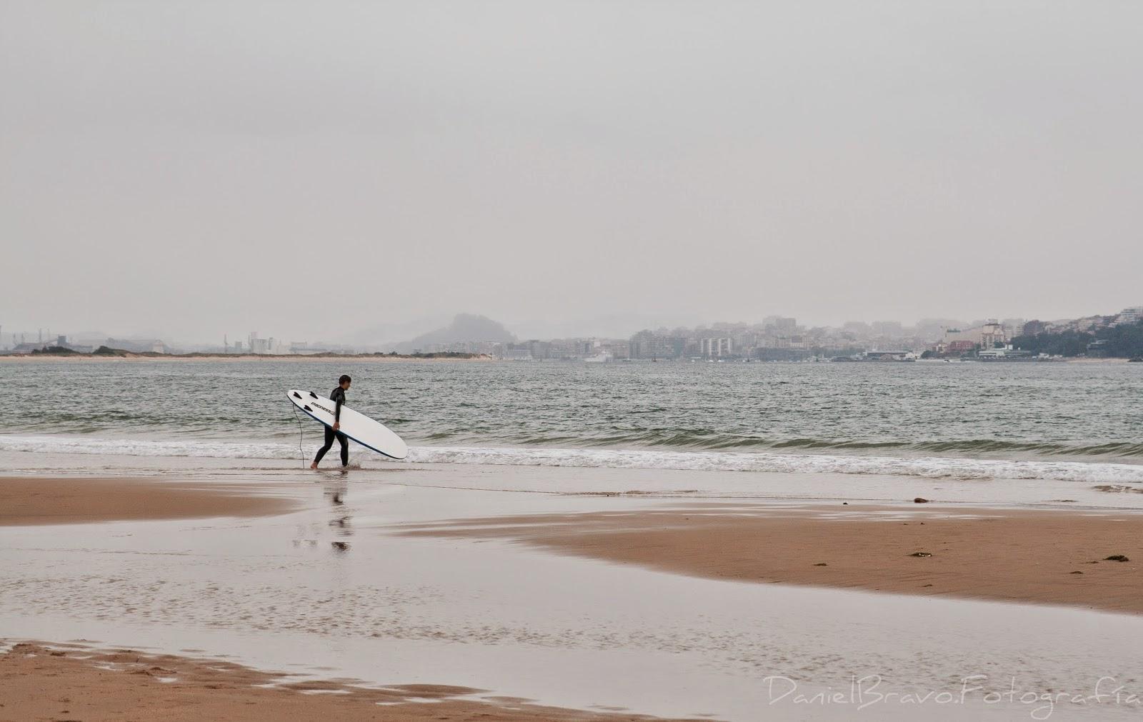 surf, surfero, playa, arena, playa, mar, olas, Loredo, Langre, Somo, Cantabria, Santander