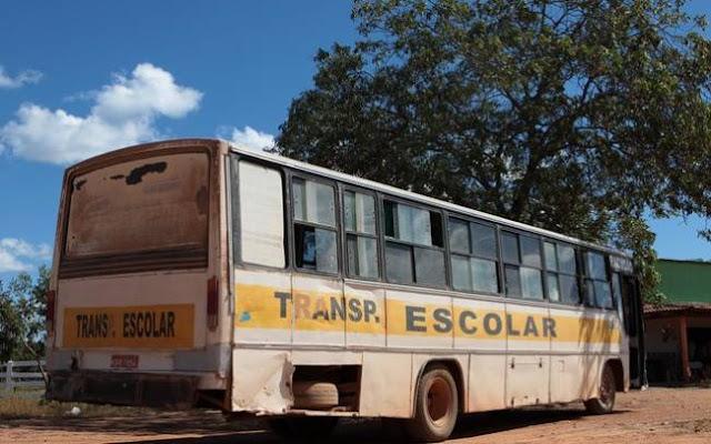 Estradas em péssimas condições de tráfego e ônibus quebrados leva escola a ser fechada na zona rural de Nova Mamoré