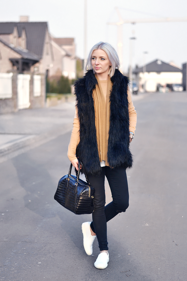 Outfit post, fashion blogger, belgian blogger, mode blogger, belgie, street style, trends, fur vest
