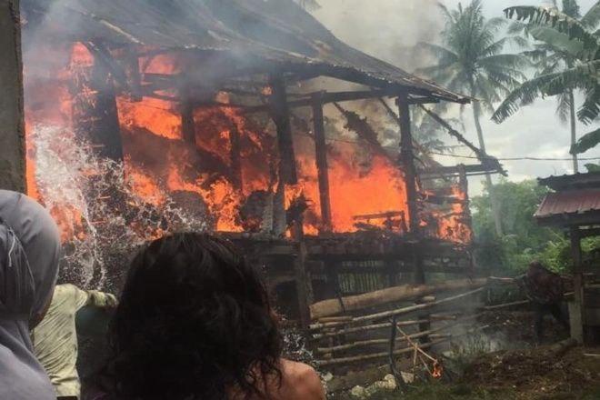 Rumah Terbakar di Bone, Puluhan Karung Gabah Ikut Ludes