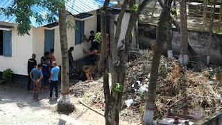 ঝিনাইদহ ফায়ার সার্ভিস স্টেশনের কর্মকর্তারা সরকারি গাছ কেটে বানাচ্ছে  জ্বালানী