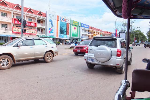 cambodia-siemreap-street