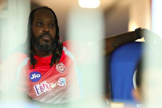 Chris-Gayle-at-the-hospital