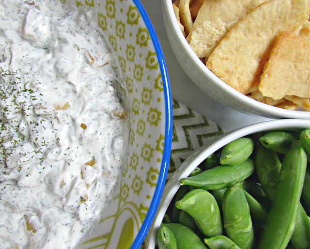 Skinny Caramelized Onion and Dill Dip | Chicago Jogger