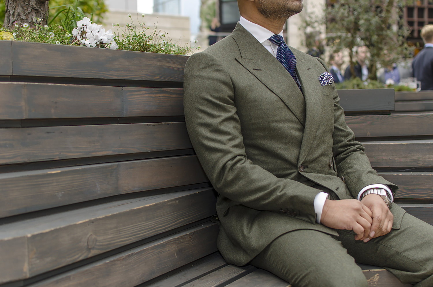 Guide to Custom-made & Made to Measure Suits
