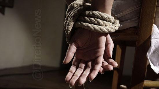 morre policiais resgatam advogada carcere direito