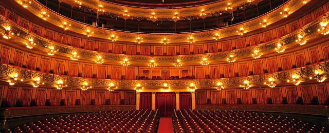 parte de dentro de um teatro
