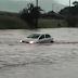 Perigo na Rodovia Anhanguera: Chuva deixa carro ilhado perto do pedágio