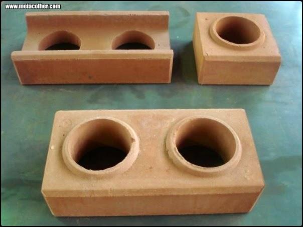 3 tijolos do tipo solo cimento