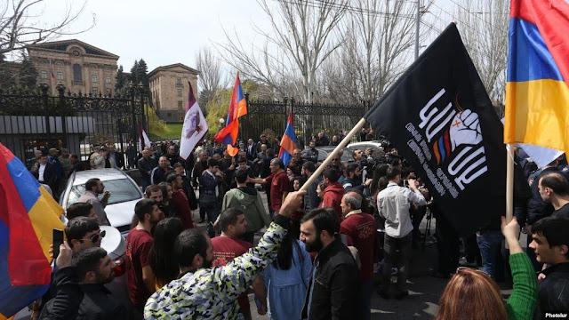 Armenia no prohibirá por ley el matrimonio homosexual