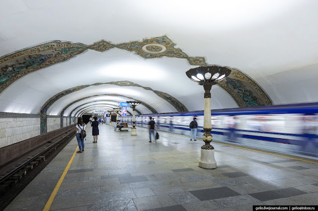 "14. ""Hamid Olimjon"" - a station on the Chilinzar line, opened in 1980 and named after the poet of the first half of the 20th century. There are white marble lights in the lobby of the station."