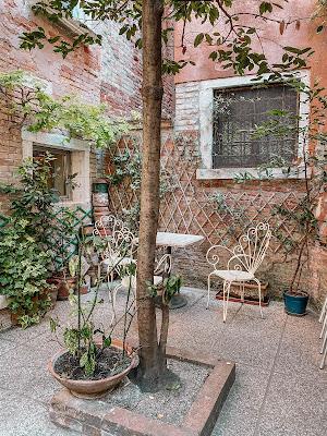 cortile interno Tea Room Beatrice Venezia
