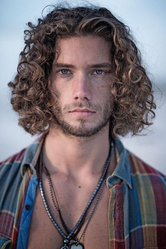 Un look impactante con peinados 2021 hombres pelo corto Colección De Tutoriales De Color De Pelo - La moda en tu cabello: Pelo mediano para hombres 2021