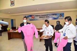 Gubernur Bangga SMKN 4 Mataram Bisa Produksi APD