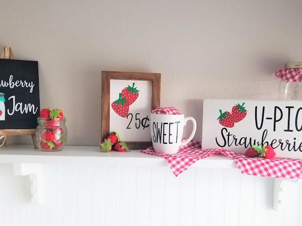 Free Strawberry SVG Shelf Ideas