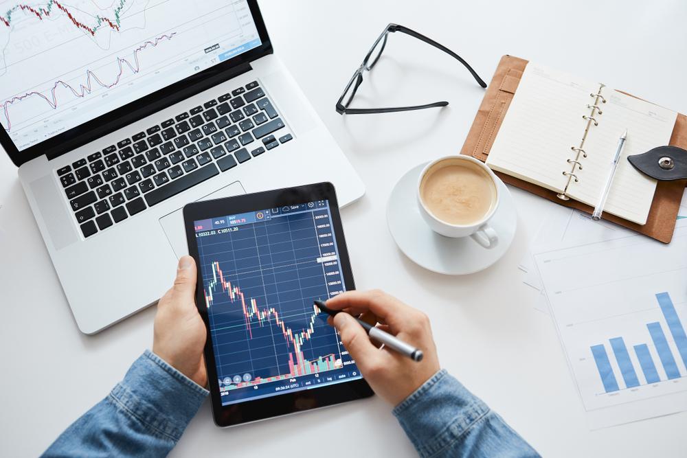 4 Bisnis Online Paling Menjanjikan, Dengan Keuntungan Omset Jutaan Rupiah, Bisnis Online Trading