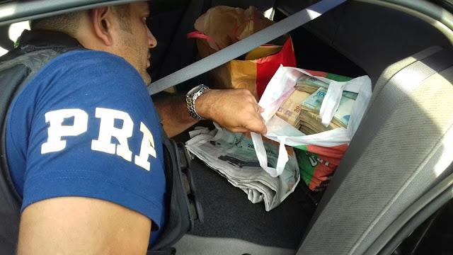 PRF e Polícia Civil apreendem quase meio milhão de reais na Rodovia