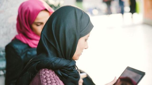 حكومة بروكسل الجديدة ترفع الحظر عن إرتداء الحجاب في المدارس العليا