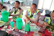 Jalin Kebersamaan, Unit Lantas Polsek Medan Helvetia Sarapan Pagi Mie Balap Bersama