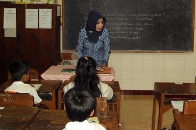 Tidak Punya Sertifikat Pendidik tak Bisa Jadi PNS